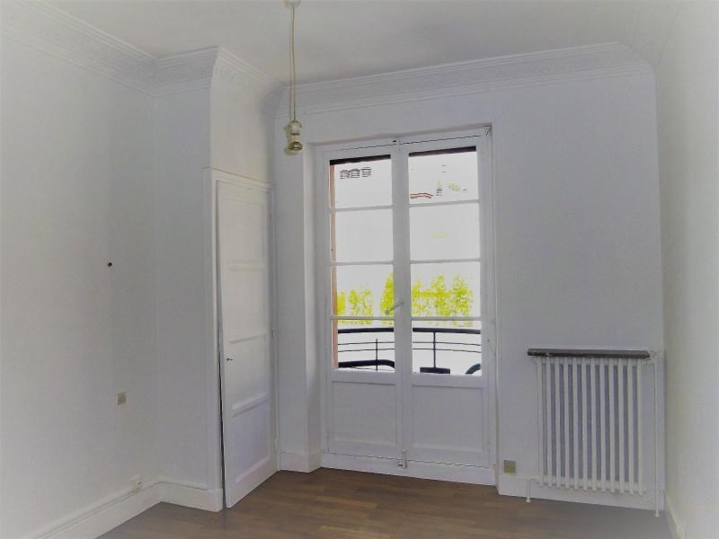 Location appartement Grenoble 836€ CC - Photo 3