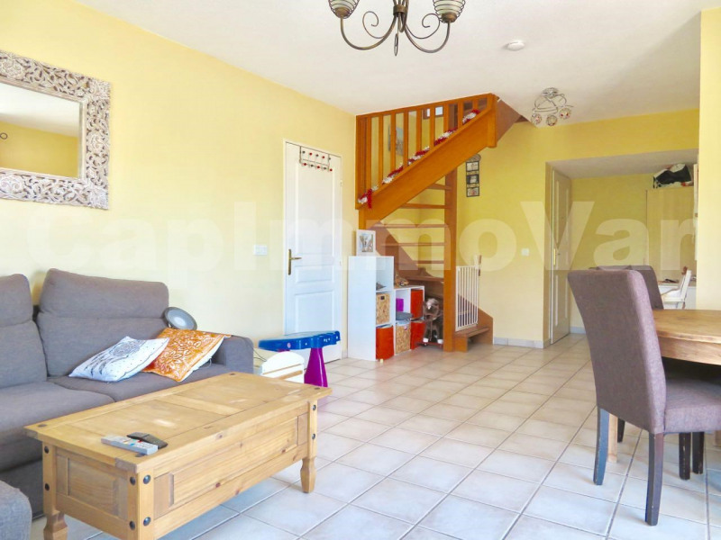 Sale apartment Le beausset 227000€ - Picture 3