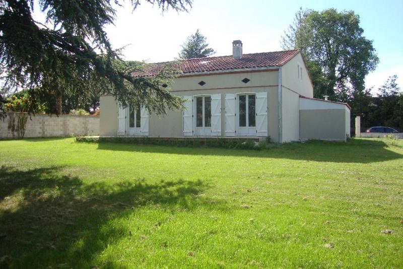 Sale house / villa Labege 379000€ - Picture 1
