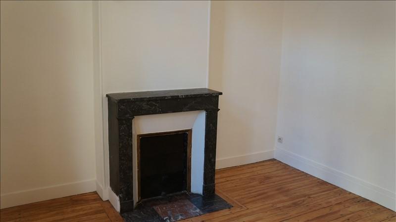 Location appartement Croissy sur seine 938€ CC - Photo 2