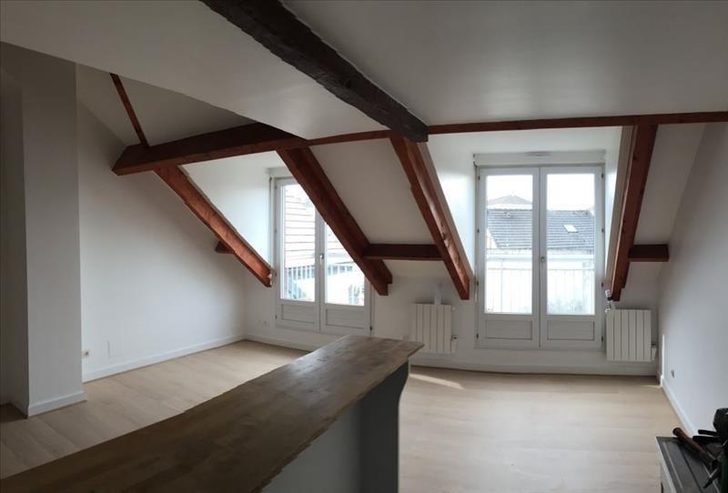 Location appartement Bois d arcy 906€ CC - Photo 1