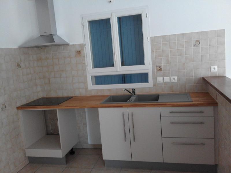 Rental house / villa Barbezieux-saint-hilaire 620€ CC - Picture 2