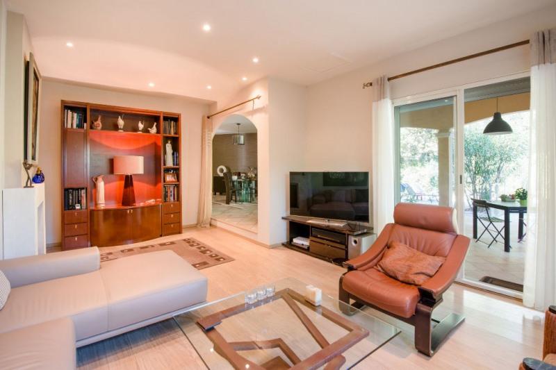Deluxe sale house / villa Rochefort du gard 630000€ - Picture 2