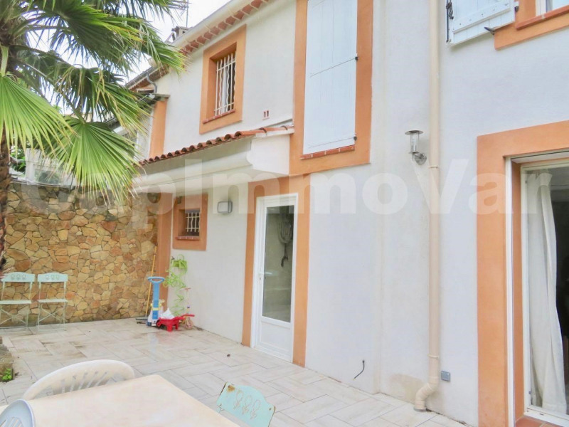 Sale house / villa Le beausset 286 000€ - Picture 1