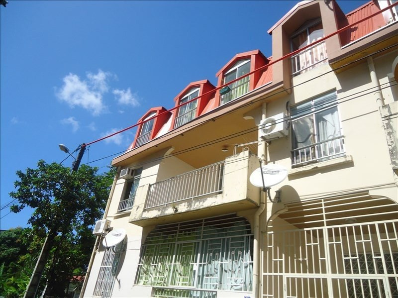 Location appartement Basse terre 660€ CC - Photo 1