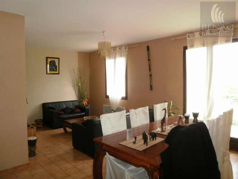 Location maison / villa Lescure d albigeois 770€ CC - Photo 5