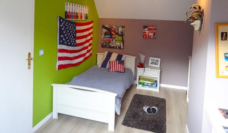 Sale house / villa Pommeuse 260000€ - Picture 4