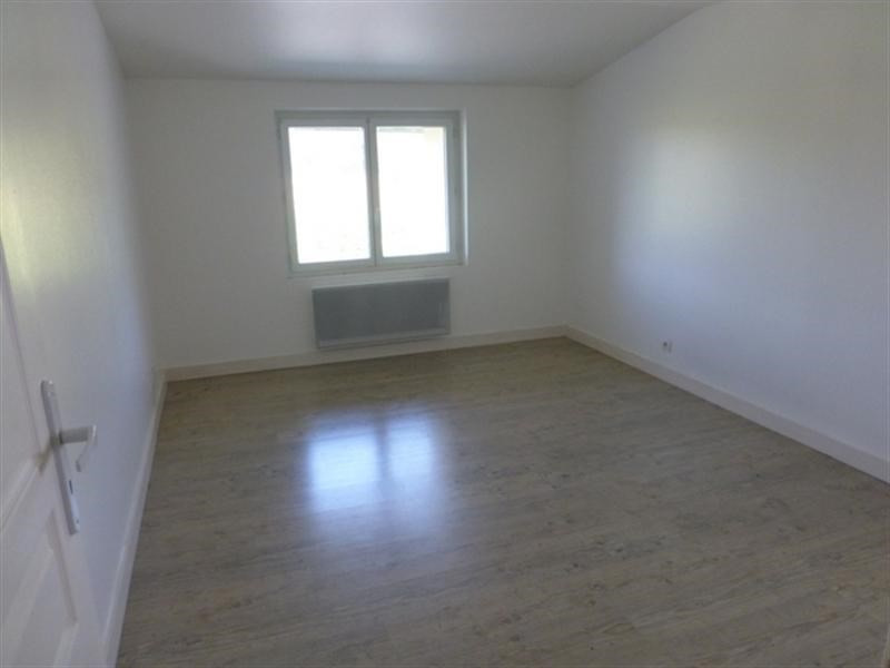 Sale house / villa St julien de l'escap 91 375€ - Picture 4