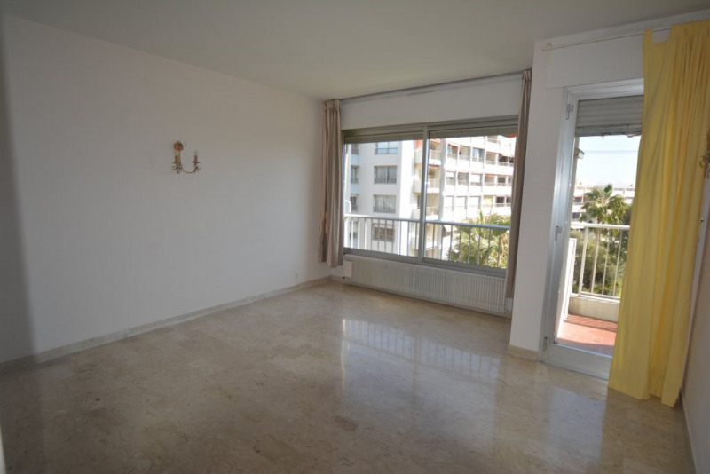 Sale apartment Antibes 224000€ - Picture 3