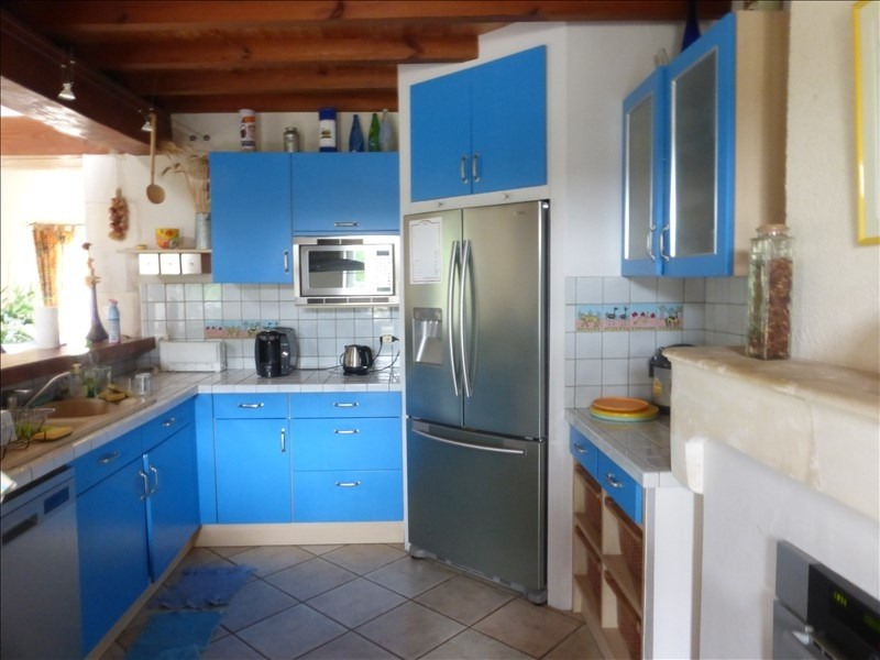 Deluxe sale house / villa Genouille 305000€ - Picture 3