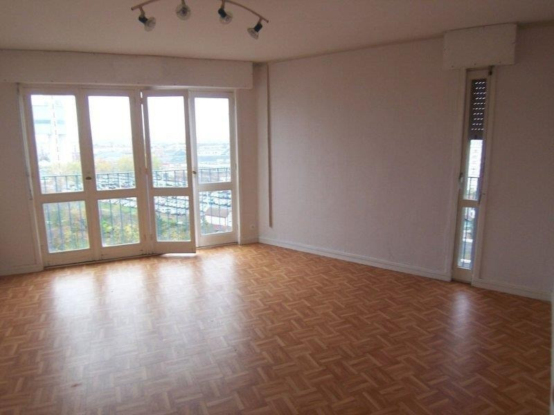 Rental apartment St andre les vergers 388€ CC - Picture 3