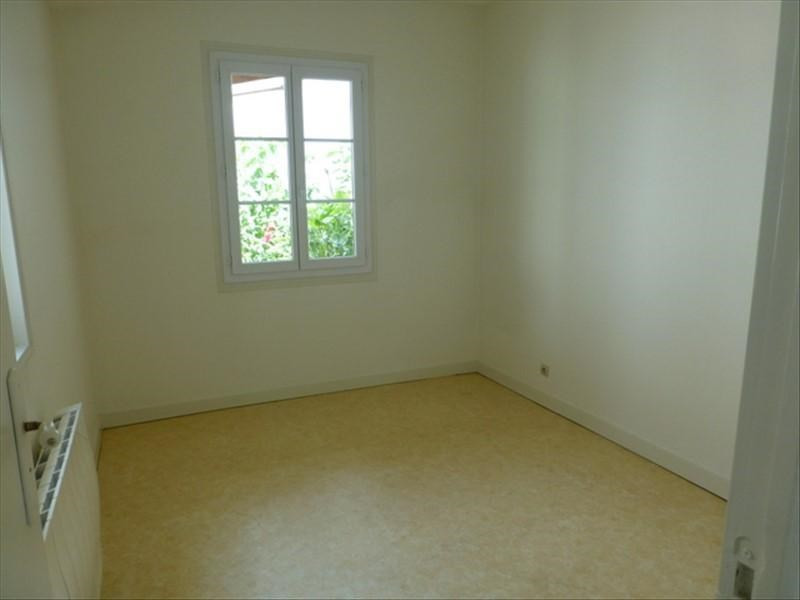 Rental apartment St jean d angely 450€ CC - Picture 5