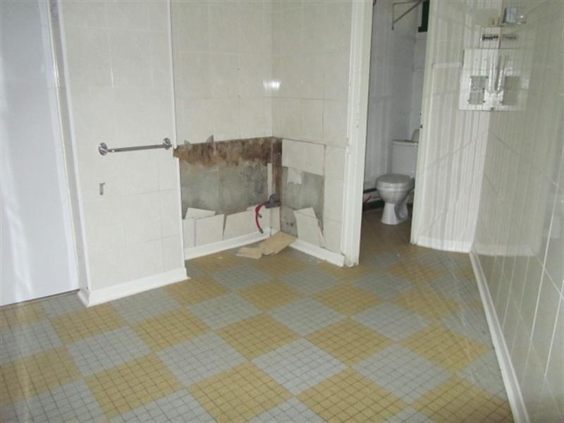 Vente local commercial Lons le saunier 75000€ - Photo 4