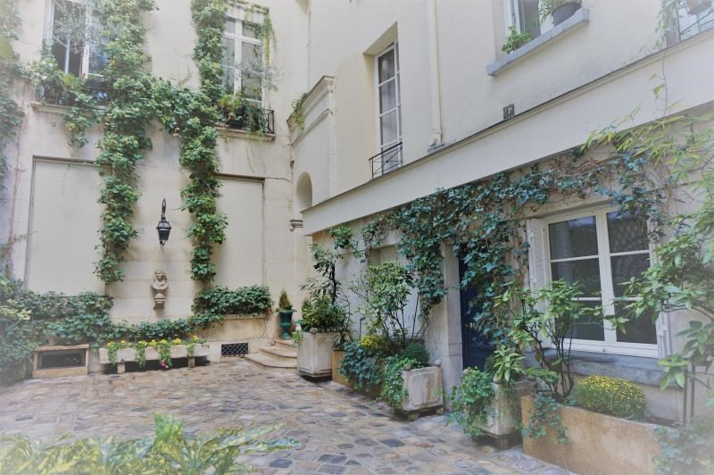 Sale apartment Paris 1er 245 000€ - Picture 3