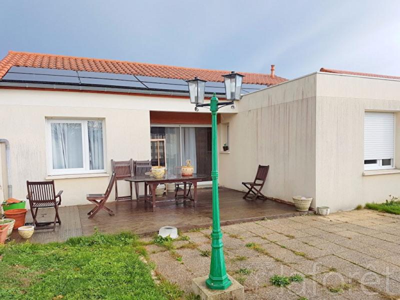 Sale house / villa Cholet 159900€ - Picture 2