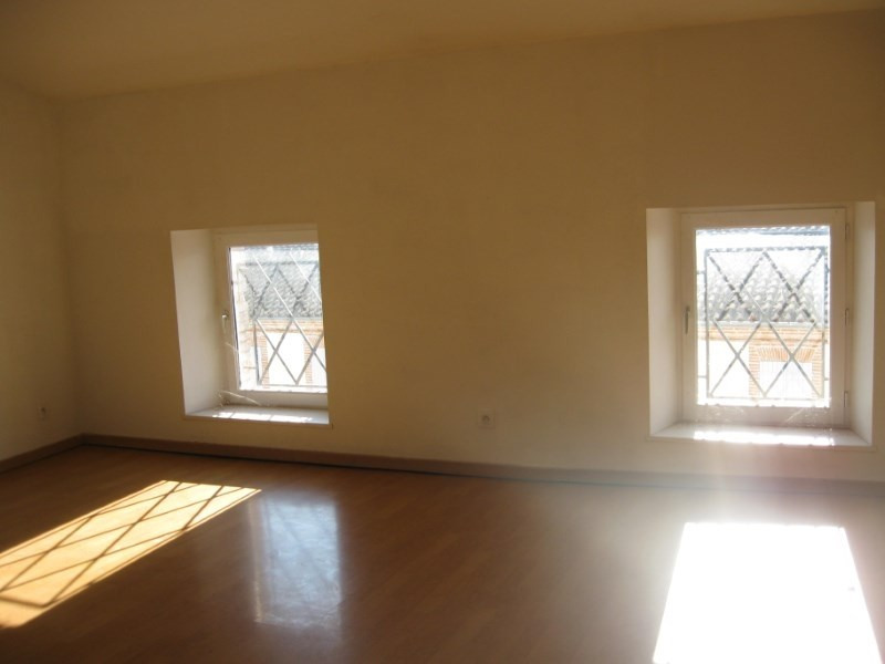 Location appartement Grisolles 389€ CC - Photo 2