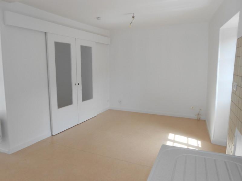 Location appartement Dunieres-sur-eyrieux 340€ CC - Photo 2