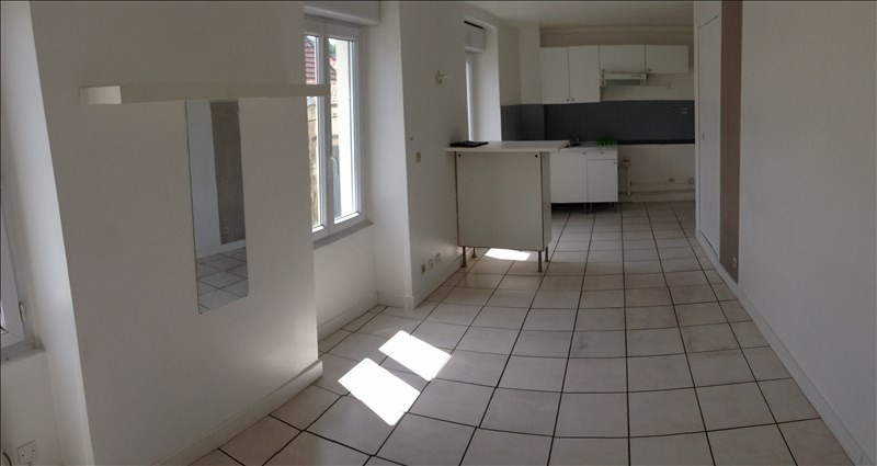 Rental apartment Claye souilly 575€ CC - Picture 1
