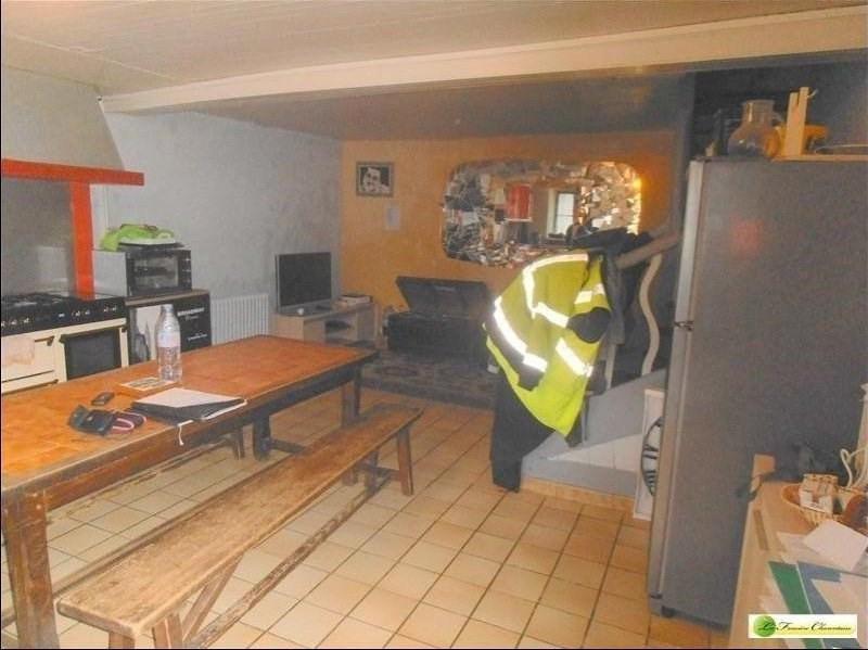 Sale house / villa Ruelle-sur-touvre 83930€ - Picture 2