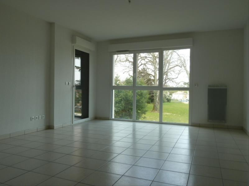 Rental apartment Floirac 555€ CC - Picture 1