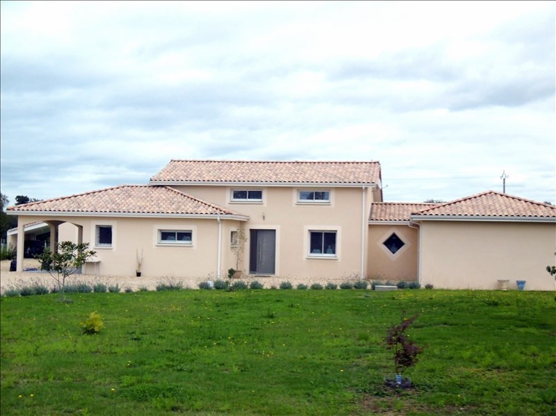 Sale house / villa Menesplet 355 000€ - Picture 1