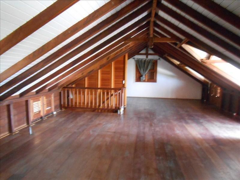 Sale house / villa St claude 350000€ - Picture 8