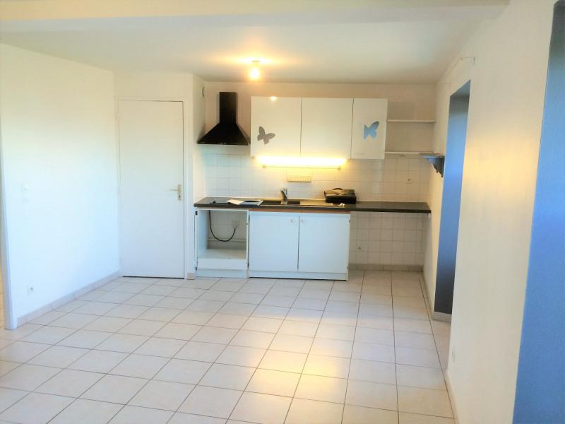 Location appartement Pierrelaye 614€ CC - Photo 4