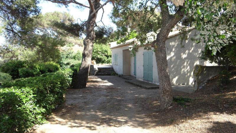 Vacation rental house / villa Cavalaire sur mer 1800€ - Picture 2
