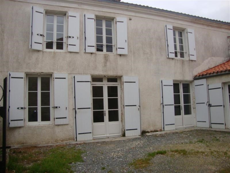 Sale house / villa Loulay 69 800€ - Picture 3