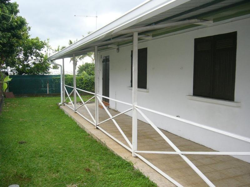 Rental house / villa St gilles les hauts 1055€ CC - Picture 7
