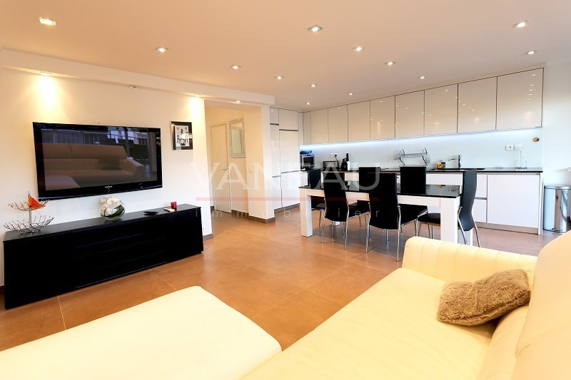 Vente de prestige appartement Juan-les-pins 430 000€ - Photo 9