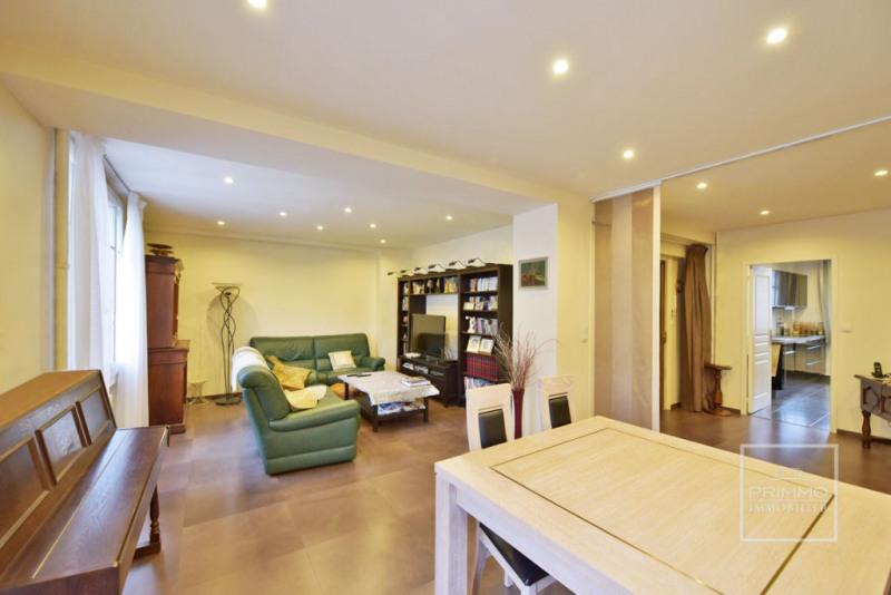 Deluxe sale apartment Lyon 6ème 570000€ - Picture 1
