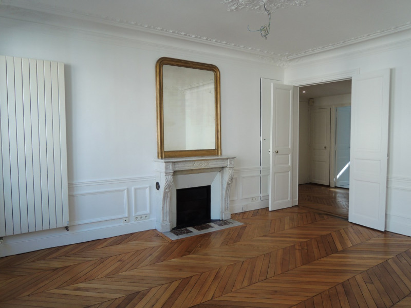 Rental apartment Paris 6ème 3290€ CC - Picture 2