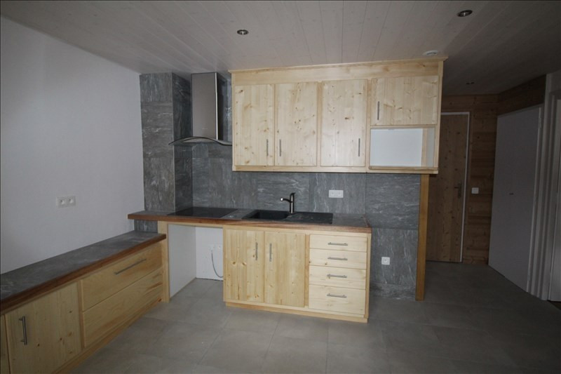 Rental apartment Sallanches 500€ CC - Picture 1