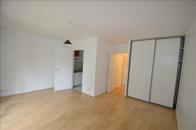Location appartement Asnieres sur seine 795€ CC - Photo 1