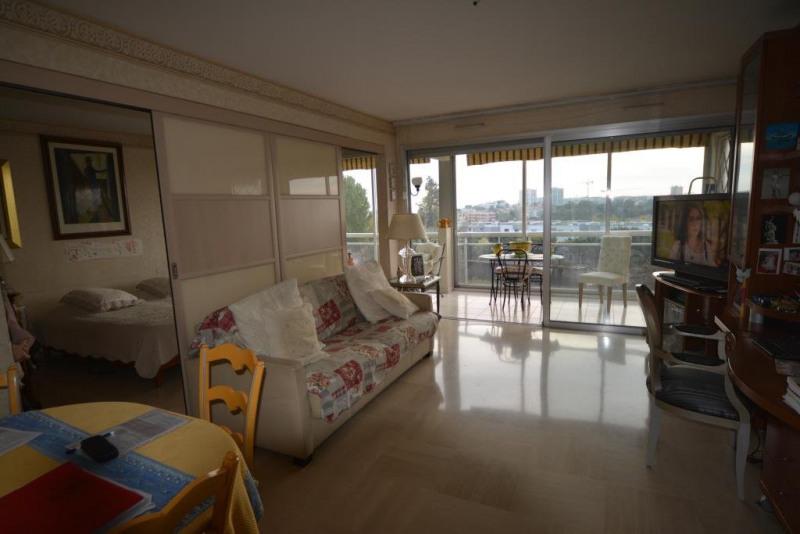 Sale apartment Antibes 283 000€ - Picture 3