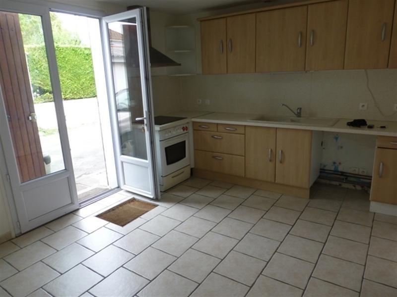 Sale house / villa Saint-jean-d'angély 106800€ - Picture 3