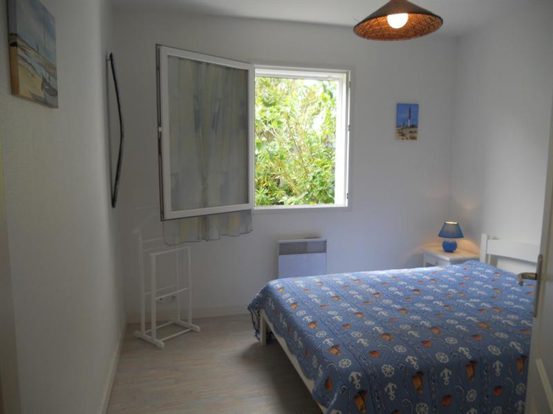 Vacation rental house / villa Vaux sur mer 824€ - Picture 15