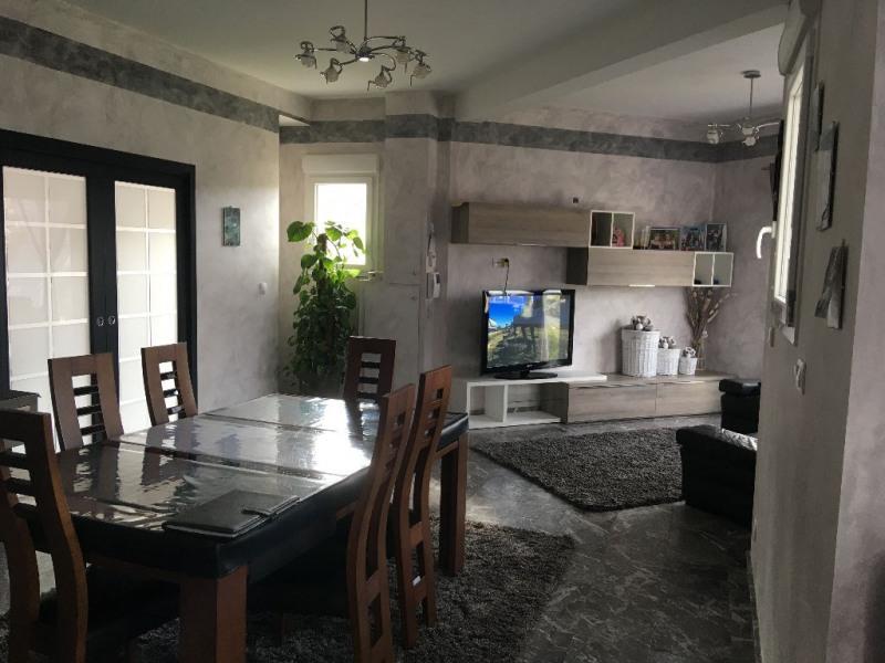 Sale house / villa Laval 422340€ - Picture 2