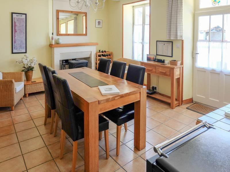 Sale house / villa Saint-jean-d'angély 82500€ - Picture 8