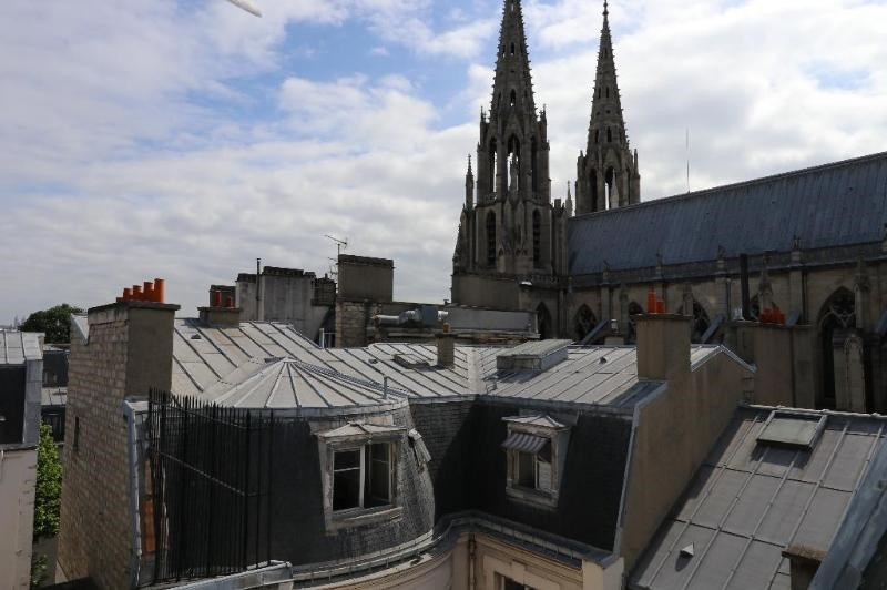 Location appartement Paris 7ème 1 190€ CC - Photo 9