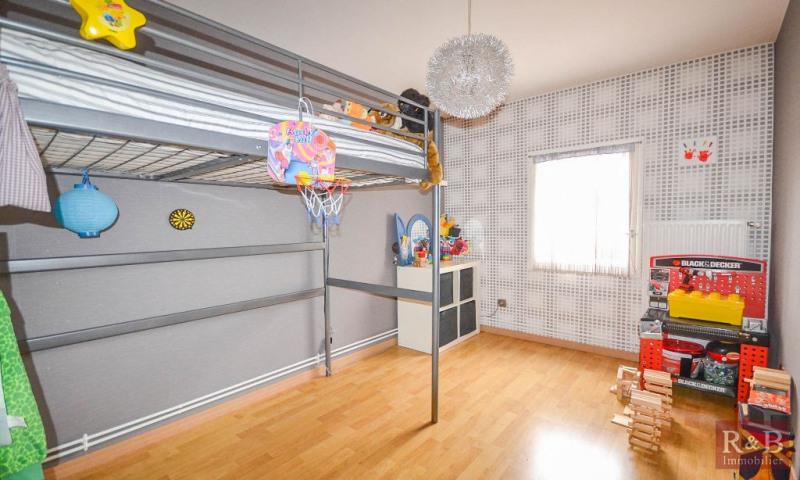 Sale house / villa Plaisir 340000€ - Picture 8
