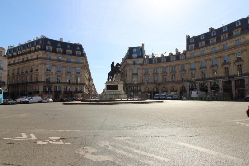Sale apartment Paris 1er 999000€ - Picture 8