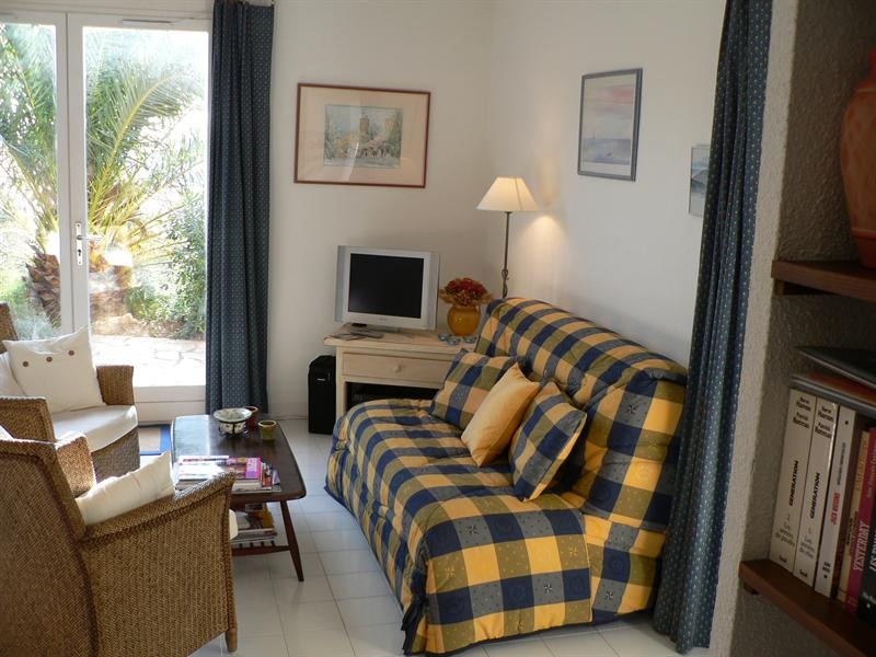 Vacation rental apartment Les issambres 840€ - Picture 4