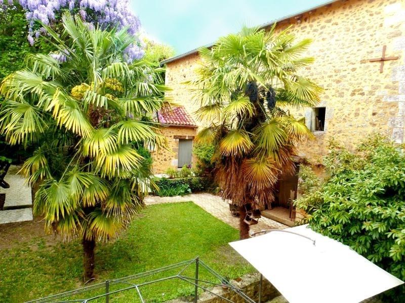 Deluxe sale house / villa Nontron 682500€ - Picture 12