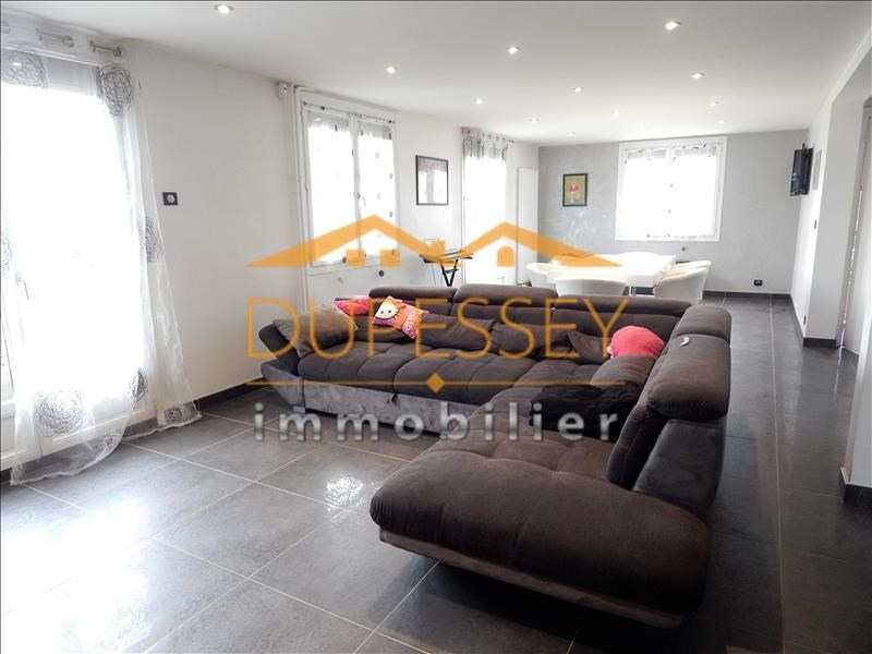 Investment property house / villa Chambery 440000€ - Picture 2