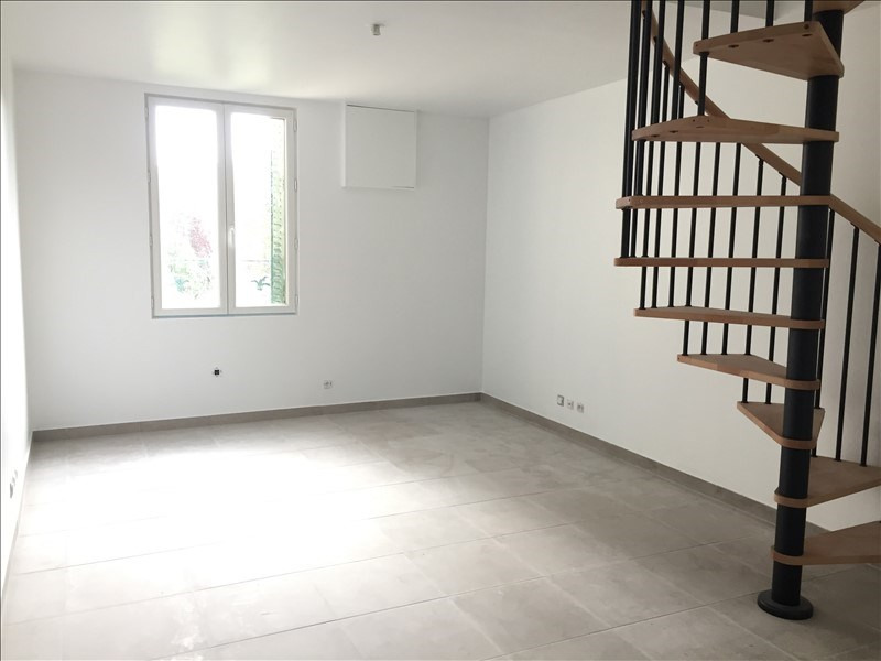 Sale apartment Nanterre 235 000€ - Picture 2