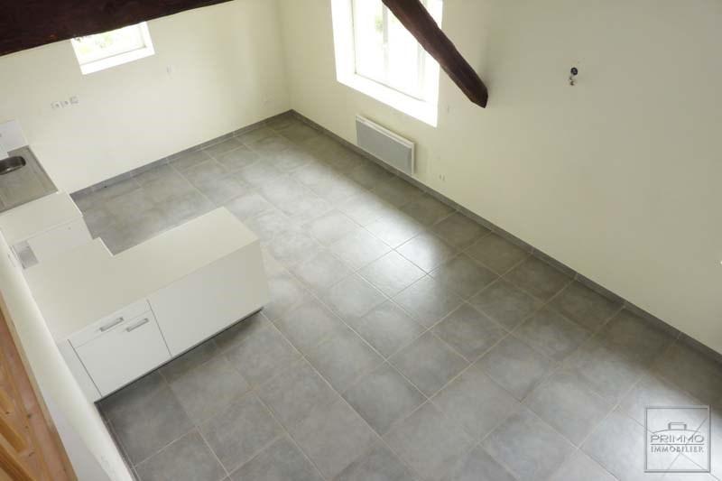 Rental apartment Lissieu 710€ CC - Picture 4