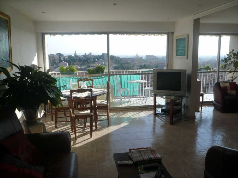 Sale apartment Salon de provence 200 000€ - Picture 1