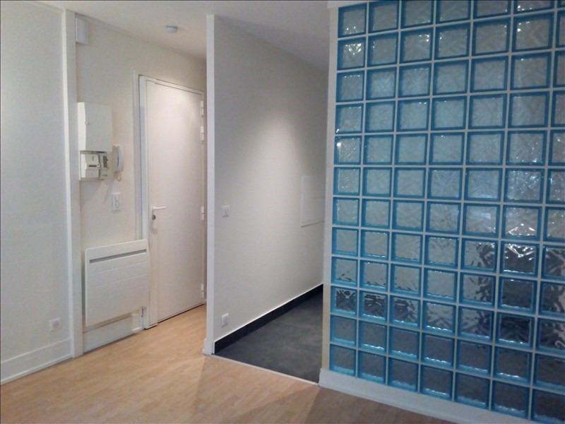 Location appartement Paris 18ème 764€ CC - Photo 2